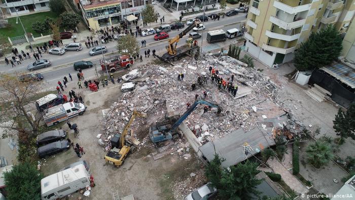 В Албании завершили поисково-спасательную операцию после сильнейшего землетрясения: 50 погибших, 2 тысячи раненых