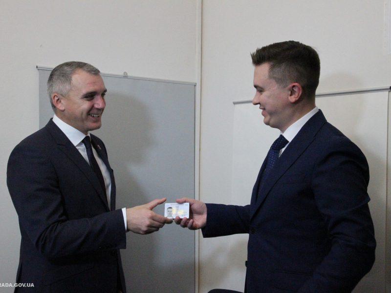 В Николаевском ЦПАУ начали оформлять ID-карты (ФОТО)