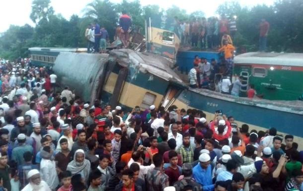 В Бангладеш столкнулись два поезда: 16 жертв