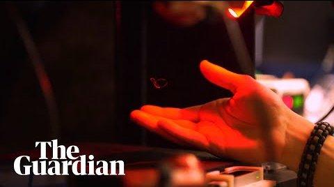 Ученые создали голограмму, которую можно потрогать (ВИДЕО)