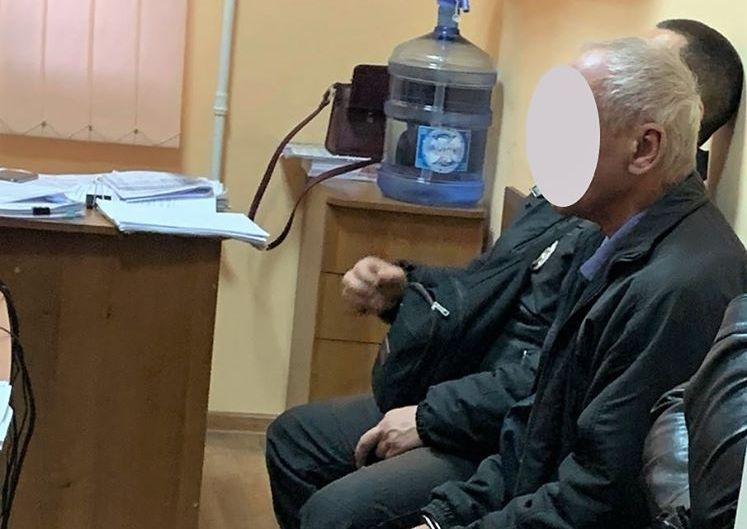 В Николаеве деду-насильнику 5-летней внучки сообщено о подозрении – для преступника у суда будут просить ареста (ФОТО)
