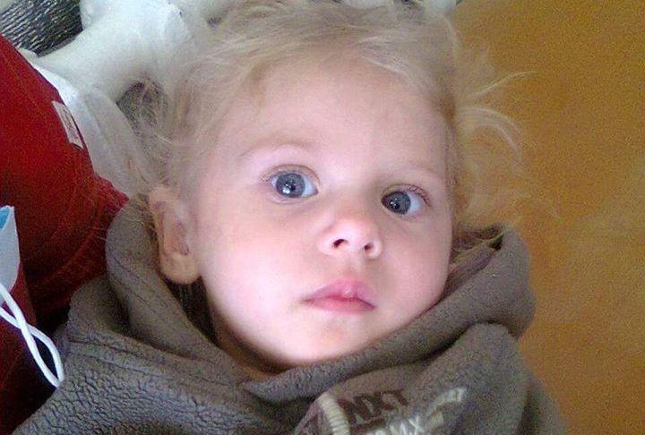 В Николаеве на улице нашли маленькую девочку – теперь полицейские ищут ее родителей (ФОТО)