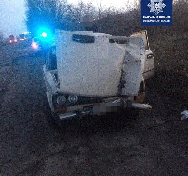 Под Николаевом водитель «под кайфом» на трассе опрокинул автомобиль (ФОТО)