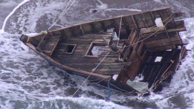 Корабль-призрак. На границе Бермудского треугольника обнаружили лодку с 20 трупами