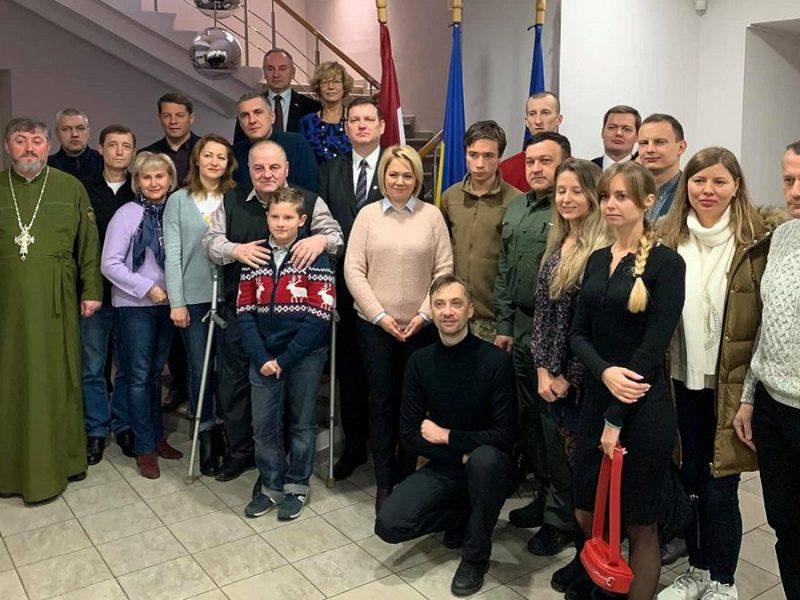 Бывшие пленники Кремля отправились на реабилитацию в Юрмалу (ВИДЕО)