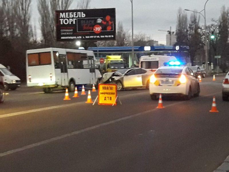 В Николаеве в результате ДТП погибли водитель и пассажир такси (ФОТО 18+, ОБНОВЛЕНО)