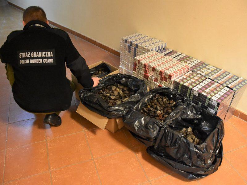 Крупнейшую за год контрабанду янтаря изъяли на границе с Польшей