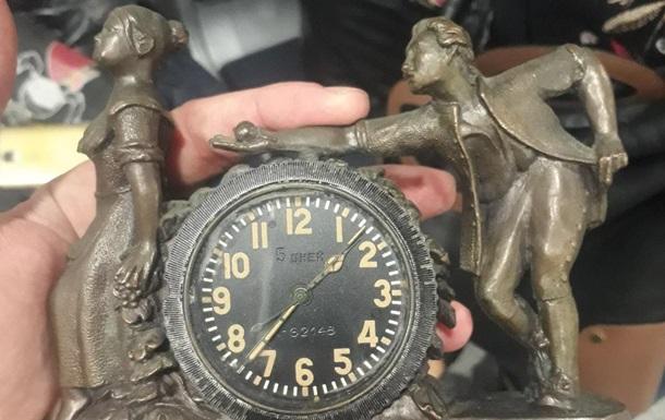 Пограничники обнаружили в багаже украинки радиоактивные часы