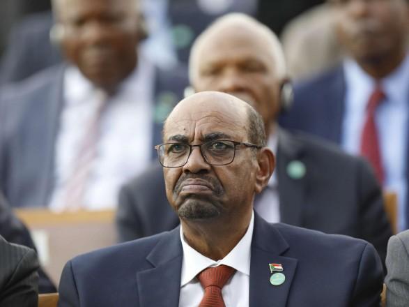 Свергнутого президента Судана приговорили к двум годам заключения в реабилитационной клинике
