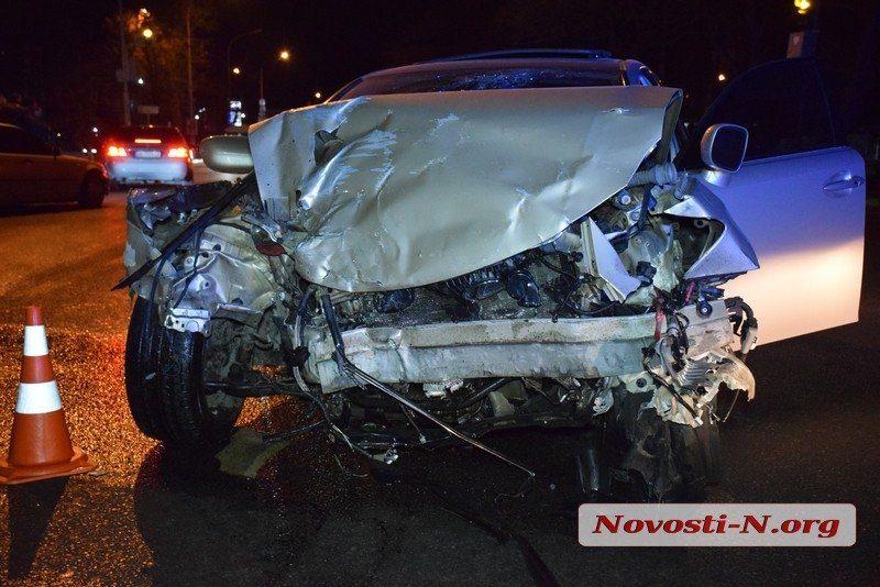 Стало известно имя водителя «Лексуса», устроившего смертельное ДТП с такси в Николаеве