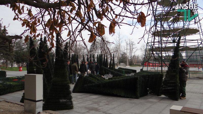 Размещение ярмарки, катка и елки на еще не сданной в эксплуатацию Соборной площади Николаева исполком горсовета согласовал в телефонном режиме