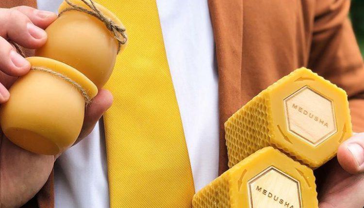 Только они и пчелы, но у них красивее. Украинская компания делает упаковку для меда из воска (ФОТО)