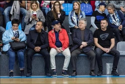 Коломойский нецензурно оскорблял рефери матча БК «Днепр». Теперь клуб просит не называть его болельщиком команды (ДОКУМЕНТ)