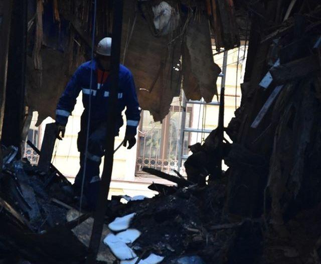 Пожар в Одессе: под завалами нашли тела еще двух погибших (ФОТО, ВИДЕО)