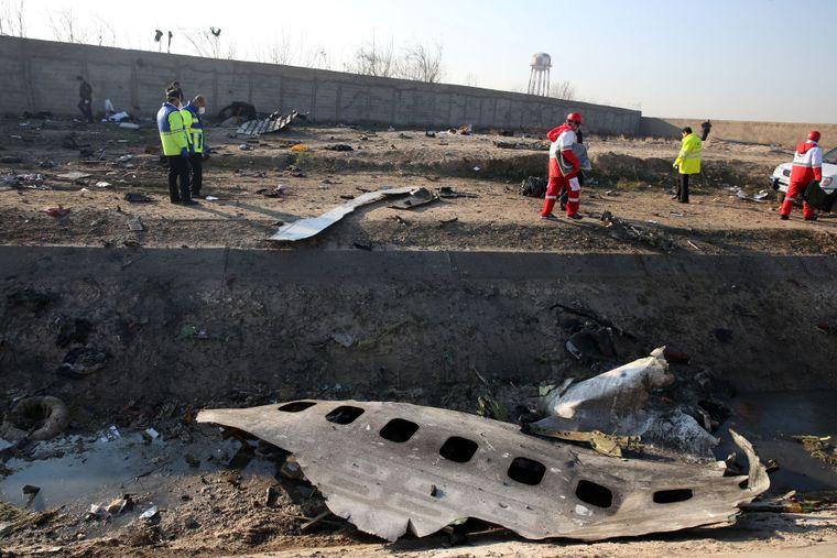 От Ирана потребовали незамедлительно выплатить компенсации семьям погибших при крушении самолета МАУ