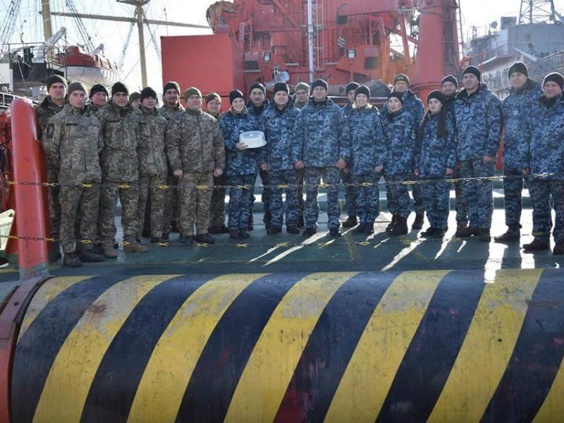 Есть и девушки: выпускники открытой в Одессе Водолазной школы ВМС получили свои сертификаты (ФОТО)