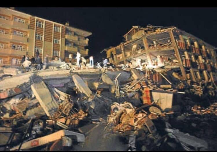 В Турции произошло мощное землетрясение: уже известно о 20 жертвах (ФОТО, ВИДЕО)