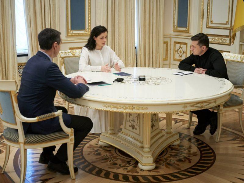 Зеленский срочно вызвал руководство Минздрава из-за китайского вируса