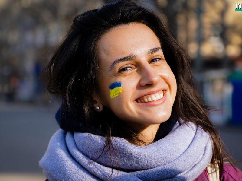 Миколаївські УАЛівці утворили живий ланцюг до Дня Соборності і заспівали «Україну» (ФОТО, ВІДЕО)