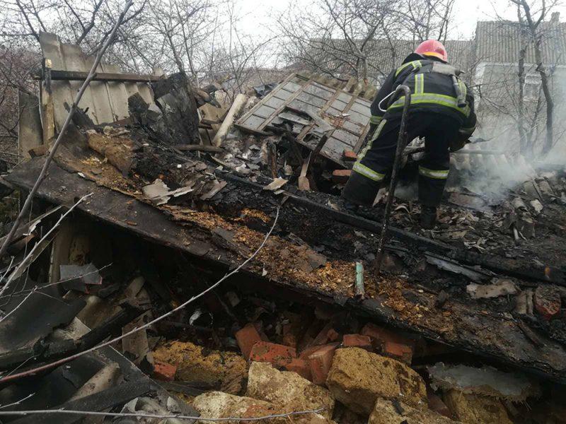 На Николаевщине за сутки горели хозпостройка, кухня и деревянное сооружение (ФОТО)