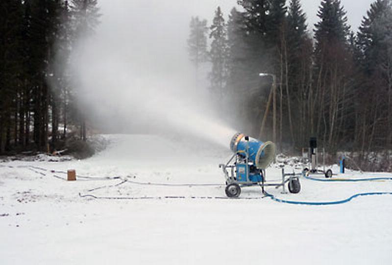 «Она снежки солила в березовой кадушке»: в Финляндии представителей муниципалитетов будут учить консервировать снег
