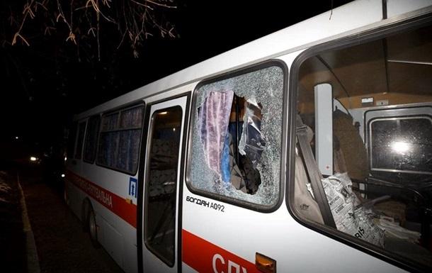 «Это бросали не наши»: глава поселкового совета Новых Санжар говорит о чужаках, камнями «встретивших» автобусы с эвакуированными из Китая