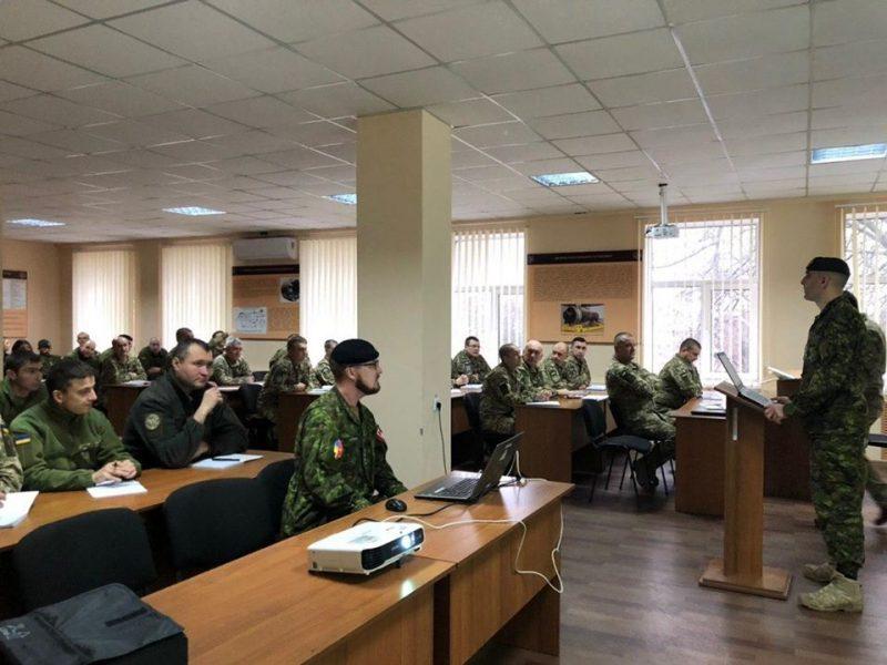 В Николаеве военнослужащих ВМС иностранные инструкторы учат по стандартам НАТО