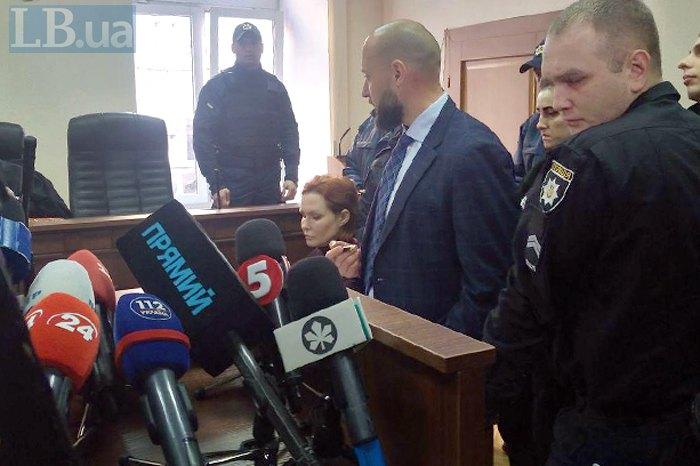 Подозреваемую в убийстве Шеремета Кузьменко оставили под арестом (ФОТО)