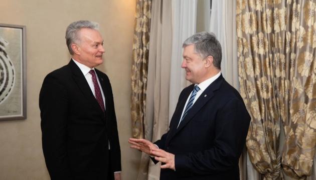 """Порошенко и президент Литвы обеспокоены попытками """"детоксикации"""" РФ"""