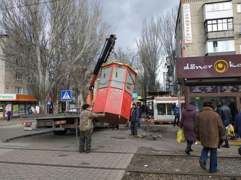 На пересечении Южной и Богоявленского снесли три незаконных киоска (ФОТО)