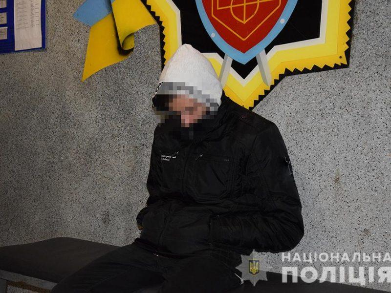 В Николаеве задержали студента профтехучилища, который помогал обманывать пенсионеров по схеме «ваш родственник в полиции» (ФОТО, ВИДЕО)