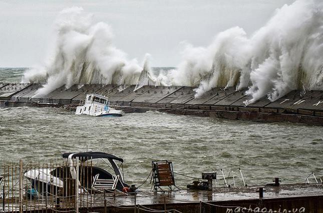 Шторм «Николас» усилился до урагана: под угрозой оказались Техас и Луизиана