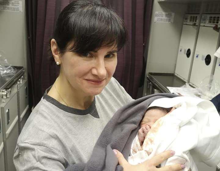 Стресс и счастье! Киевлянка приняла роды на высоте 8 тысяч метров (ФОТО)