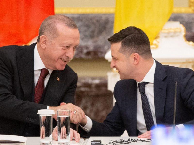 Зеленский завтра летит в Турцию, сегодня с Эрдоганом говорил Путин – жаловался на Украину