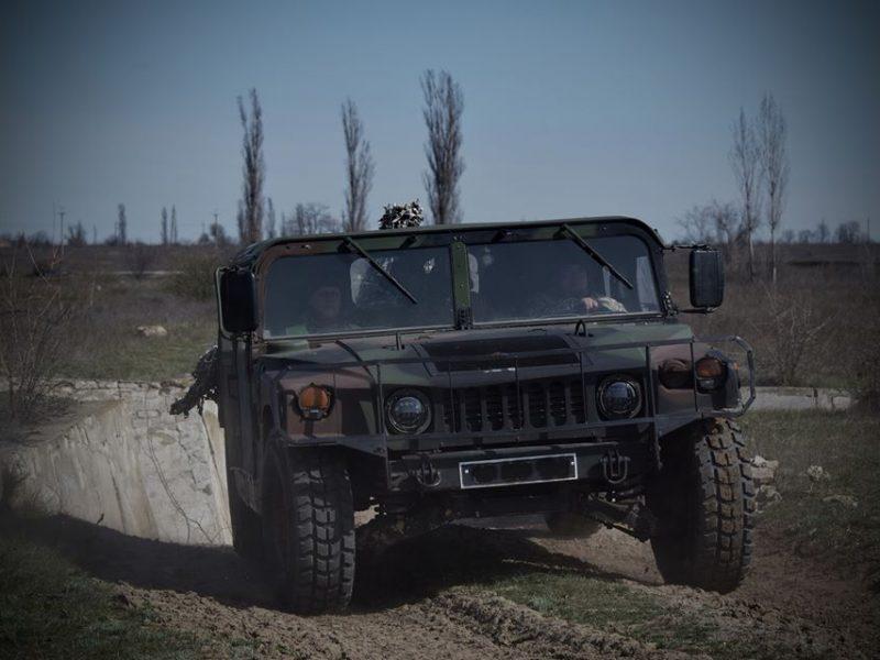Совершенству нет предела: в Николаеве механики-водители морской пехоты оттачивали свое мастерство (ФОТО)