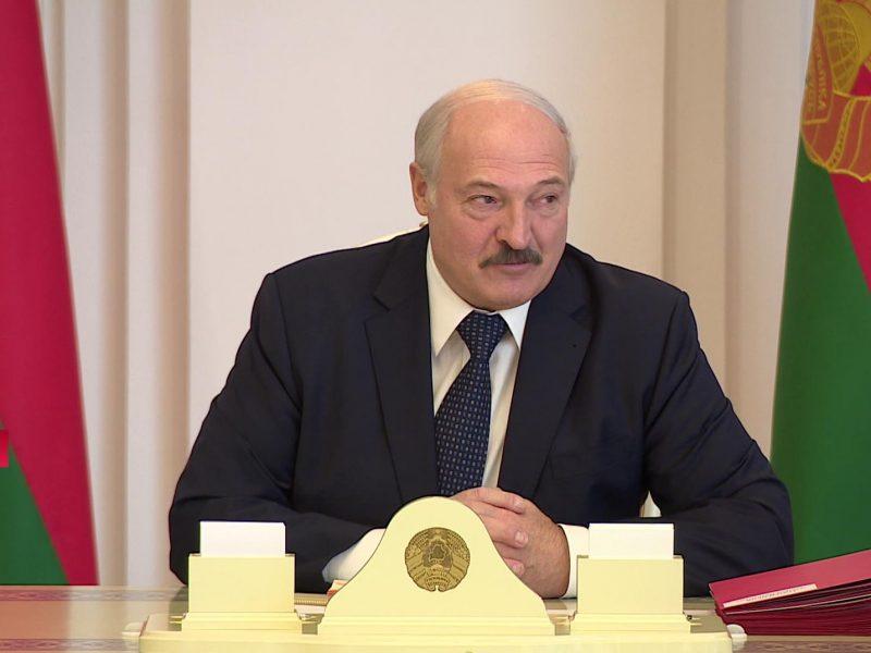 Лукашенко запретил журналистам делать опросы и стримить протесты