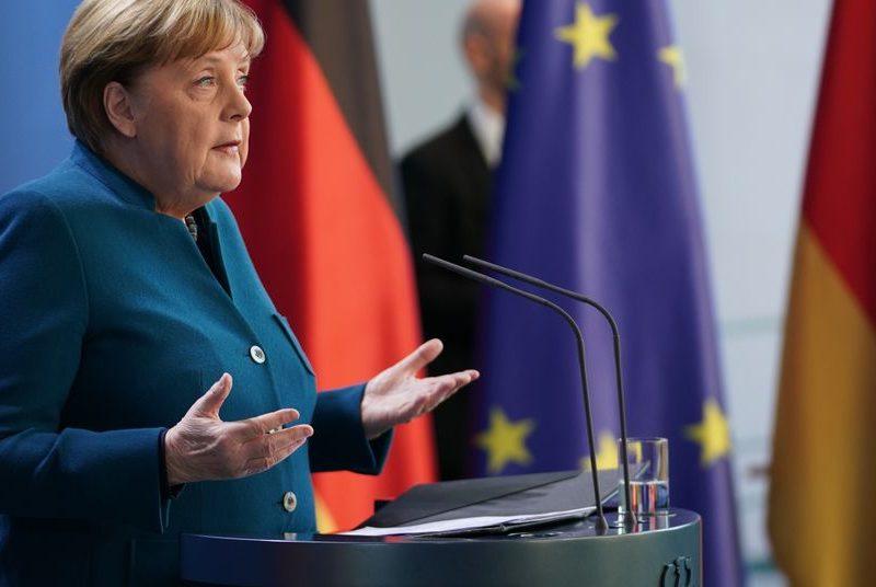 Меркель прокомментировала отравление Навального: «Хотели заставить замолчать»