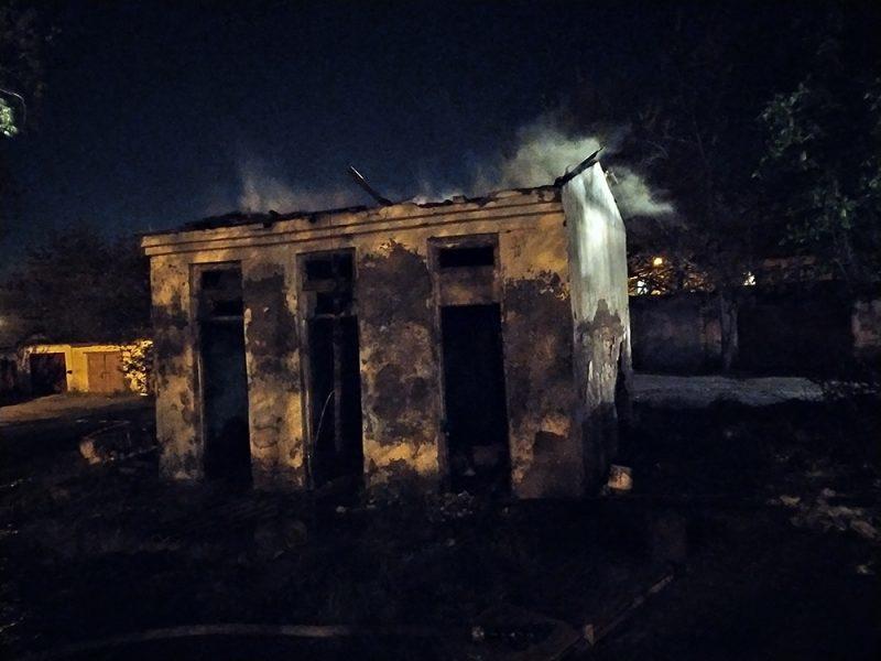 Ночью на Николаевщине потушили два пожара в жилом секторе (ФОТО)