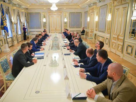 """В Офисе президента Украины заявили, что не отдавали регионы """"на откуп олигархам"""""""
