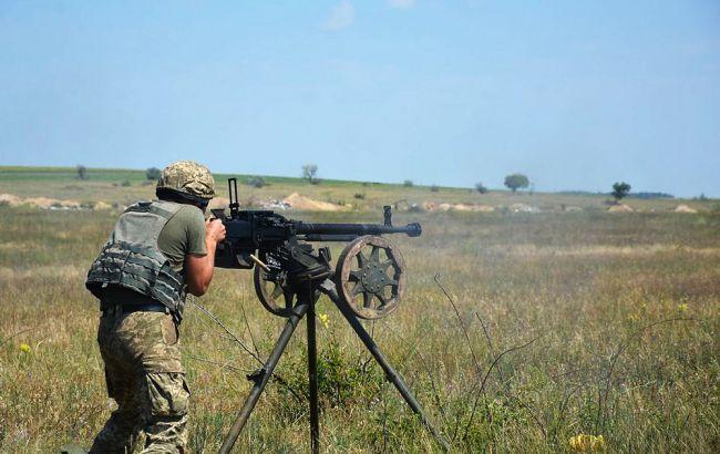На Донбассе под обстрелами боевиков убит украинский военнослужащий, еще 6 ранены