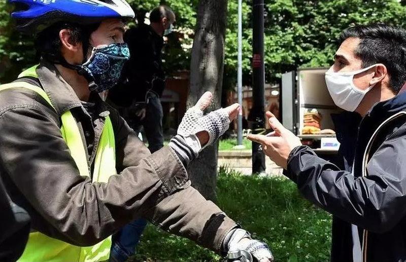 Во Франции «желтые жилеты» вышли на первые акции протеста после карантина