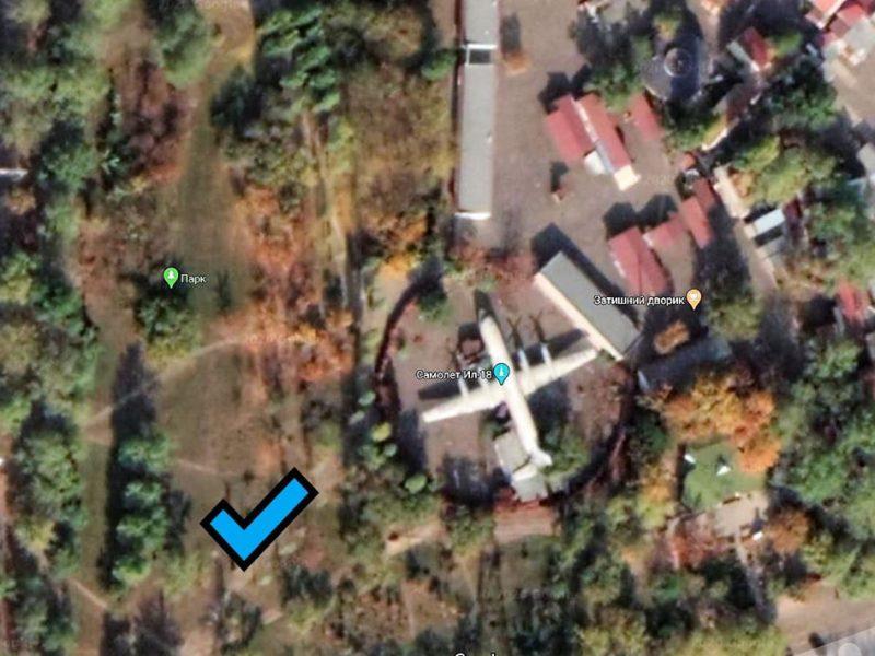 В Николаеве прокуратура через суд требует вернуть общине земельный участок сквера возле самолета