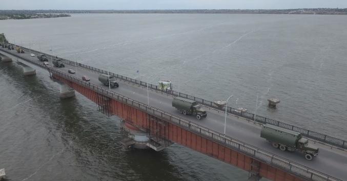 Как колонна 808-го понтонно-мостового полка через Николаев на Днепропетровщину шла (ВИДЕО)