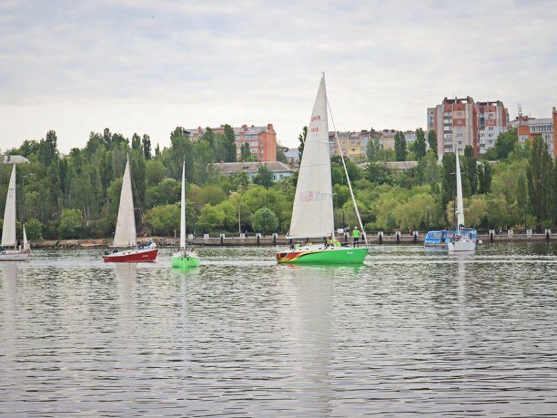 В Николаеве стартовала первая в этом году регата (ФОТО)