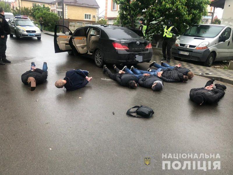 Полиция: перестрелка в Броварах – конфликт между предпринимателями и нелегальными перевозчиками (ФОТО)