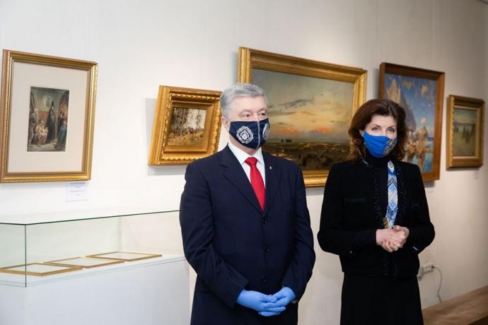 Дело о картинах Порошенко: его адвокаты подали в суд на генпрокурора