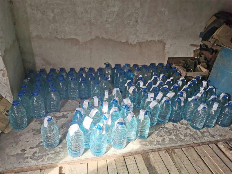 Жителю Николаева, наладившему сбыт фальсифицированного алкоголя, грозит штраф в 85 тыс.грн. (ФОТО)
