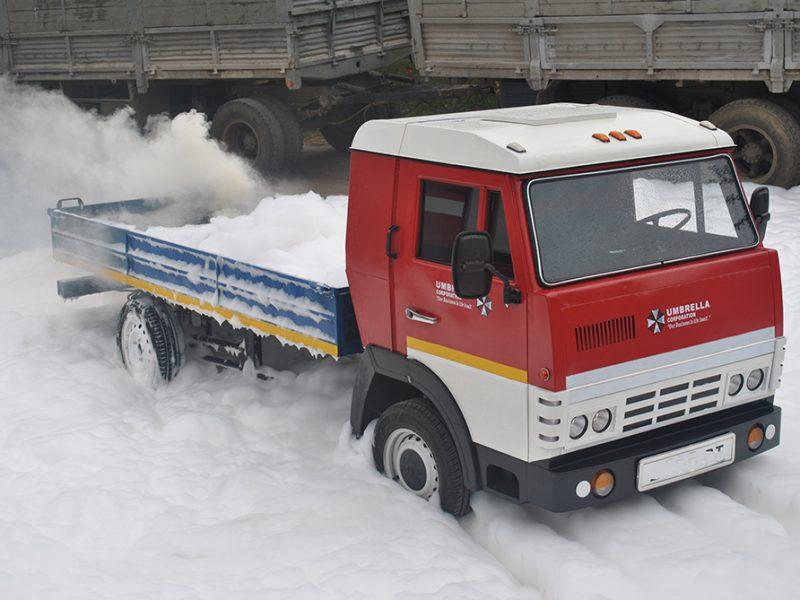 В Николаеве спасатели потушили пожар электромобиля (ФОТО)