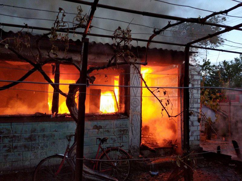 Во Врадиевке тушили большой пожар – огонь с веранды перекинулся на жилой дом (ФОТО)