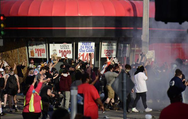 В Миннеаполисе объявили чрезвычайную ситуацию из-за массовых протестов